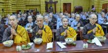 Chùm ảnh: Ăn trong chánh niệm và chấp tác ngày 18/09/2020
