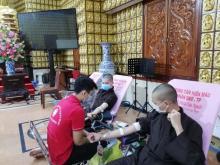 Sáng chủ nhật ý nghĩa với hơn 350 người tham gia hiến máu nhân đạo tại chùa Giác Ngộ
