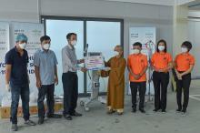 Chùa Giác Ngộ trao tặng máy thở xâm lấn, máy oxy đến Bệnh viện dã chiến số 3 và Bệnh viện Nguyễn Tri Phương