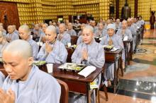 Chùm ảnh: Ăn cơm trong chánh niệm chiều ngày 15/09/2020
