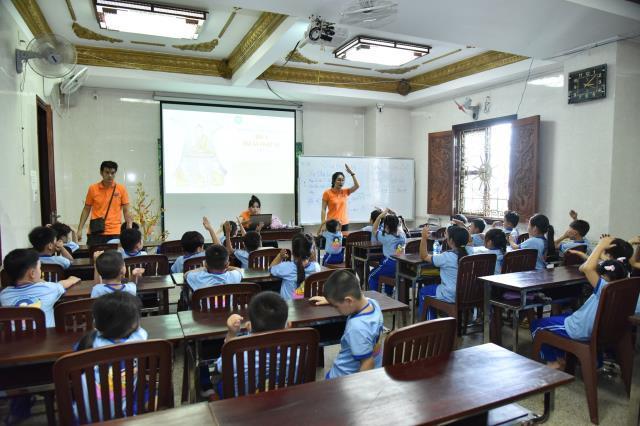 Búp sen từ bi: Lớp học Đạo đức Phật giáo thứ 7 hàng tuần