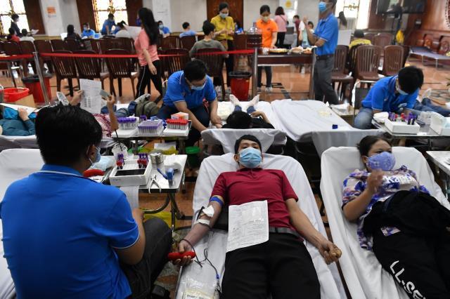 Chùa Giác Ngộ: 350 người tham gia hiến máu nhân đạo (HM39)