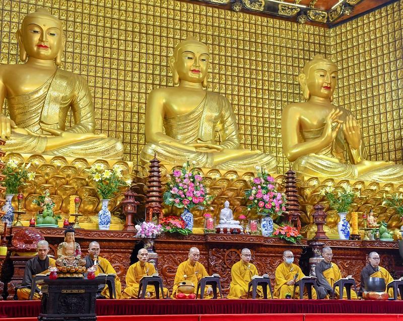 Nhật ký ngày thứ ba ở nhà: Học Phật qua dụ ngôn về chiếc bè