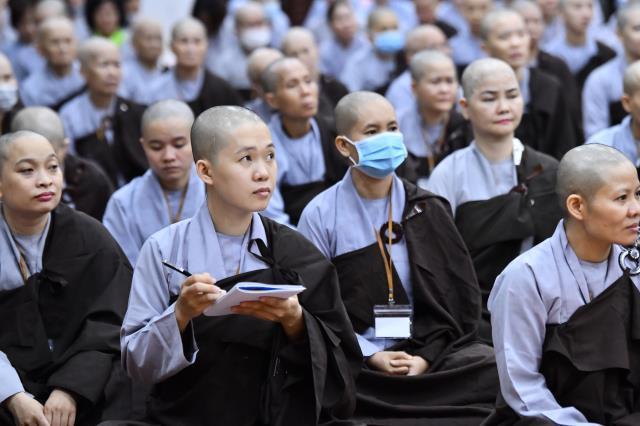 Khóa tu Xuất Gia Gieo Duyên: Giờ học oai nghi của người xuất gia và dược thực chiều