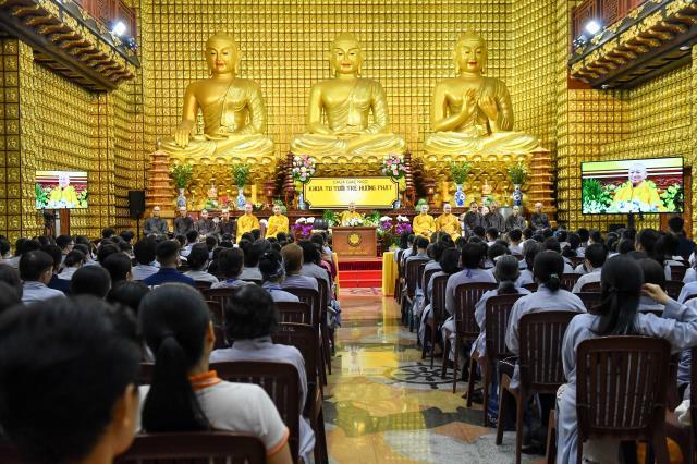 Khóa tu Tuổi trẻ ở chùa Giác Ngộ