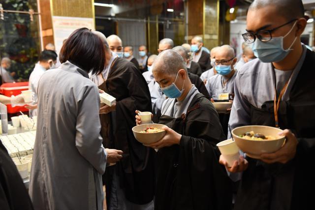 Chùm ảnh: Nhìn lại khóa tu Xuất Gia Gieo Duyên lần 8 tại chùa Giác Ngộ