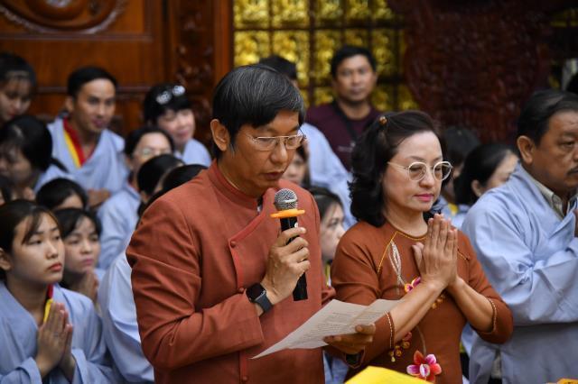 GĐPT Ngộ Mi Hồng cúng dường Trai tăng nhân bảy tuần thất của người mẹ khả kính