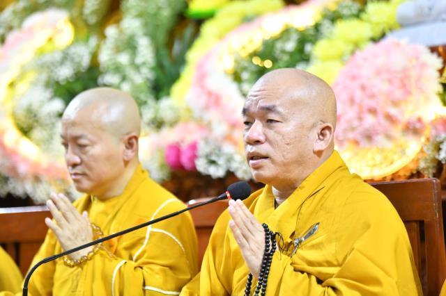 TP.HCM: Hơn 1000 người tham dự Lễ Phật thành đạo tại chùa Giác Ngộ