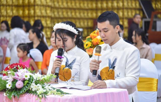 Lễ hằng thuận của chủ rể Đình Khương và cô dâu Thu Hiển